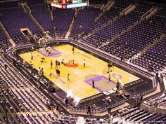 Los Angeles Lakers at Phoenix Suns - Talking Stick Resort Arena — Phoenix, AZ on Mon Nov 16 at 7:00pm https://www.facebook.com/events/1658744931035779/