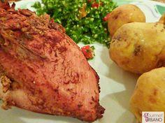 Pollo a la Miel y Canela con papas isleñas y tabule