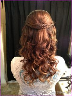This easy hairstyles for school really are amazing. This easy hairstyles for school really are amazing. Dance Hairstyles, Homecoming Hairstyles, Winter Hairstyles, Pretty Hairstyles, Braid Hairstyles, Simple Hairstyles, Hairstyles 2018, Formal Hairstyles, Hairstyle Ideas
