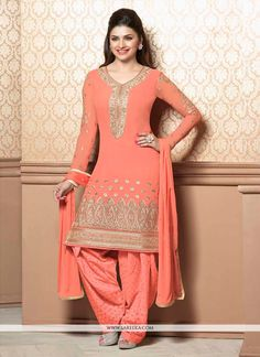 Pavitraa Orange Georgette Party Wear Embroidery Salwar Suit Orange georgette party wear embroidery Salwar Suit is glorious with, embroidery worked, lace patti work, resham work and multi-thread embroidery works. Indian Party Wear, Indian Wedding Outfits, Indian Outfits, Indian Clothes, Indian Wear, Punjabi Suits, Salwar Suits, Salwar Kameez, Patiala Suit