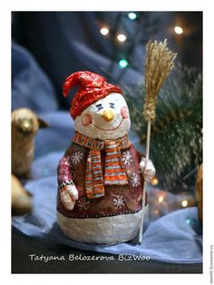 Master class: snowman in the art cotton paper mache - Fair Masters - handmade, handmade Snowman Decorations, Christmas Decorations, Holiday Decor, Master Class, Wood Carving Designs, Christmas Diy, Christmas Ornaments, Paper Clay, Handmade Polymer Clay