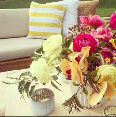 Vibrant Spring 2016 Design. #tablescape #eventdesign #cabosanlucas #designer #destinationwedding #events #inspiration #passion #flowers #eventdesignbymariannaidirin