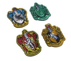 Harry Potter House of Gryffindor, Ravenclaw, Hufflepuff, Slytherin House Hogwarts Crest Patch Hook and Loop Backing Full Color Patches Crest Set for Coat Jacket Gear Cap Hat Backpack Harry Potter Diy, Casas Do Harry Potter, Casas Estilo Harry Potter, Harry Potter Patch, Harry Potter Badges, Harry Potter Birthday, Harry Potter Hogwarts, Ravenclaw, Slytherin House