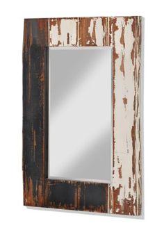 """Bekijk nu:Grote spiegel in used-look. Het frame is ca.15cm breed en in used-look vormgegeven. De spiegel zelf is opzij in reliëf geslepen. Kan alleen verticaal opgehangen worden. Wordt gemonteerd geleverd, zonder materiaal voor wandmontage.Let op, dit is een bijzondere bezorgservice! Meer informatie vindt u onder """"Service""""."""