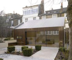 Lateral House is a minimalist house located in London, England, designed by Pitman Tozer.