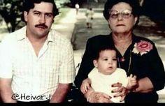 Imagen de Pablo Escobar con su madre y su hija Manuela Escobar