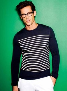 Nautical/French sweater on a green background, amazing hair, hipster glasses, drool. Sharp Dressed Man, Well Dressed Men, Looks Style, Looks Cool, Look Fashion, Mens Fashion, Fashion Black, Men Street, Mode Style
