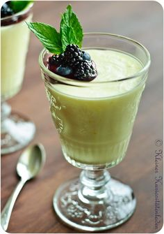 Citronfromage - a great Danish dessert Danish Dessert, Danish Food, Honduran Recipes, Lemon Mousse, Creme Dessert, Food Crush, Eat Smart, Delicious Vegan Recipes, Sweet Recipes