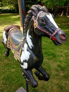 Carnival Themed Party, Carnival Themes, Carosel Horse, Work Family, Horse Crafts, Hobby Horse, Trash To Treasure, Equine Art, Heart For Kids