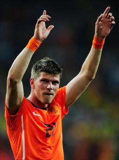 Klaas Jan Huntelaar of Holland at the 2010 World Cup Finals. World Cup Final, Fc Barcelona, Finals, Soccer, Football, Euro, Holland, Orange, Futbol