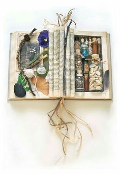What a beautiful treasure! Altered book, treasure chest, journal.... How ahi all!