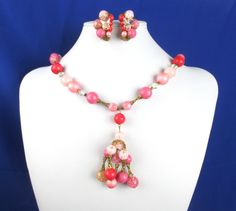 Goldtone beaded necklace and earrings set PIERCED ears only 18 inch necklace. New never worn vintage Peach and dark pink beads