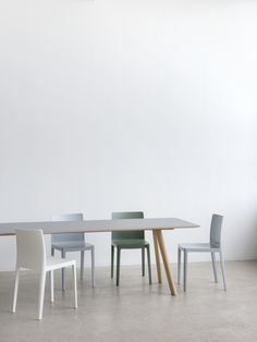 CPH Deux 210 Table Beech Untreated x x Raw plywood edge Dusty grey laminate tabletop, Product specs, Find dealer Hay Chair, Hay Design, Grey Laminate, Contemporary Dining Table, Buy Furniture Online, Dining Chairs, Dining Room, Furniture Design, Home Decor