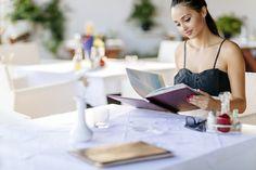 5 syytä, miksi kannattaa käydä ulkona syömässä yksin