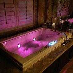 Ahhhh my favorite a nice soothing bath Dream Bathrooms, Beautiful Bathrooms, Luxury Life, Luxury Homes, Luxury Tumblr, Relaxing Bath, House Goals, Me Time, Bath Time