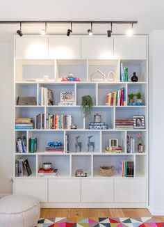 32 Latest Ikea Billy Bookcase Design Ideas For Limited Space That Will Amaze You Living Room Bookcase, Shelves In Bedroom, Living Room Storage, Bedroom Storage, Ikea Billy Bookcase, Bookshelves, Bookshelf Wall, Barrister Bookcase, Home Library Design