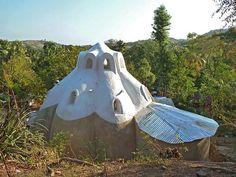 Earthbag Building: Monique's House in Haiti
