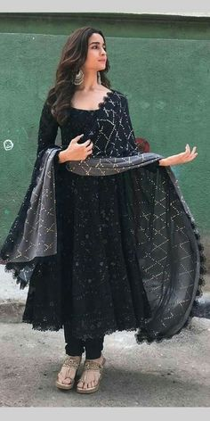 Online Shopping for the Sikh & Punjabi Community Worldwide Online Shopping for the Sikh & Punjabi Community Worldwide,Afghanische Kleider Indian Punjabi black dress. Indian Gowns Dresses, Indian Fashion Dresses, Dress Indian Style, Punjabi Fashion, Bollywood Fashion, Dress Fashion, Fashion Outfits, Indian Wedding Outfits, Indian Outfits
