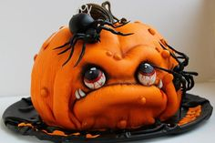 Get the most inspiring easy Halloween cakes DIY Ideas - the best scary DIY Halloween Desserts for kids and adults to surprise everyone on your Halloween party. Amazing, creepy and spooky, unique Halloween cakes decorating ideas to try this year! Humour Halloween, Scary Halloween Cakes, Bolo Halloween, Dessert Halloween, Halloween Cupcakes, Halloween Birthday, Halloween Snacks, Halloween Pumpkins, Happy Halloween