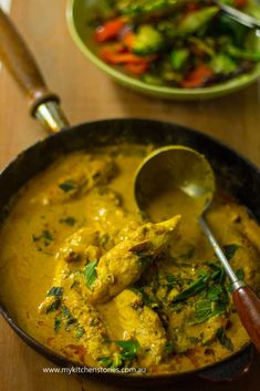 Creamy delicious spiced yoghurt chicken. made in 20 minutes. Try it!