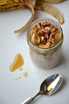 Maple PPBB (Pecan Peanut Butter Banana) Overnight Oats 19 Overnight Oats Recipes To Restore Your Faith In Breakfast Easy Overnight Oatmeal Recipe, Overnight Breakfast, Oatmeal Recipes, Love Food, Breakfast Recipes, Easy Meals, Food And Drink, Cooking Recipes, Yummy Food