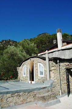 Fanghetto, Frazione di Olivetta San Michele (IM), Val Roia, Via Castello