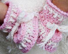 Cheryls Crochet Baby Grace Dog Earred Hat and Saddle Baby Booties Knitting Pattern, Crochet Baby Booties, Knitting Patterns, Crochet Patterns, Oxford Booties, Mercerized Cotton Yarn, Fingering Yarn, Pretty Baby, Beautiful Patterns
