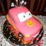 Детский торт на день рождения. Торт машинка.