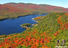 Autumn in Mont Tremblant, Quebec (and tips on hikes in the park): http://bbqboy.net/photos-parc-national-du-mont-tremblant-quebec-in-the-autumn/ #quebec #monttremblant