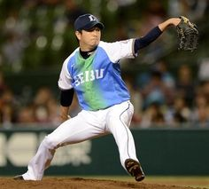 Atsushi Okamoto retires the side in order, hurls a scoreless innings of relief in the top of the 7th inning as he earns his 15th hold of the season at Seibu Dome on Thursday, September 27, 2012.