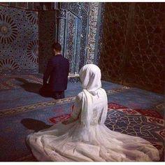 Halal love muslim love couple # pe e nikab kapal ar af hicab hijab tesett r a k ift d n wedding family aile nikah Couple Pics For Dp, Image Couple, Cute Love Couple, Cute Couple Pictures, Couple Art, Couple Photos, Muslim Couple Quotes, Cute Muslim Couples, Muslim Girls