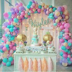 """1,183 curtidas, 7 comentários - Festejando em Casa by Monalisa (@festejandoemcasaoficial) no Instagram: """"Linda inspiração da galeria da @srafesta . Regrann from @srafesta -  Linda decor com arco de balões…"""""""
