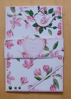 """carte fête des mères fleurie rose et blanche 3 plis message """"Bonne Fête Maman"""" oiseau : Cartes par cdine08-aux-cartes-de-sandrine"""