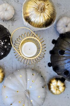 black white and gold pumpkins - so cute or decorations at an autumn/winter wedding!