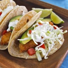 Crispy Panko Fish Tacos – beer battered fish coated with crispy panko crumbs, topped with sour cream lime sauce and all the fixins.  #foodgawker