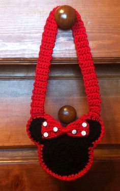 Minnie Mouse Child's Crochet Purse. I would do this with cotton yarn Perfect for Disneyland trips!