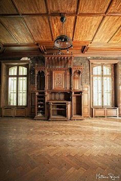 Abandoned Property, Abandoned Churches, Abandoned Mansions, Abandoned Places, Victorian Interiors, Victorian Homes, Beautiful Architecture, Architecture Details, Forgotten Treasures