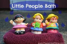 {Raising Tots} Little People Bath