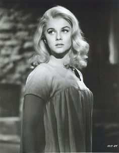 """Ann Margret Sweden born, this Golden Globe winning actress starred in such movies as Bye Bye Birdie, Stagecoach, and Viva Las Vegas. Hollywood gave her the infamous nickname """"Sex Kitten"""". Classic Actresses, Female Actresses, Beautiful Actresses, Actors & Actresses, Female Celebrities, Natalie Wood, Claudia Cardinale, Classic Hollywood, Old Hollywood"""