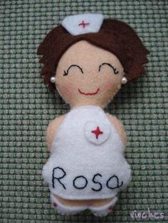 Rosa, enfermera en fieltro.