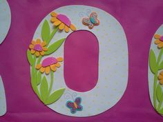 detalle letra Baby Shower, Tableware, Party, Kids, Crafts, Banners, Craft Ideas, Ideas, Feltro