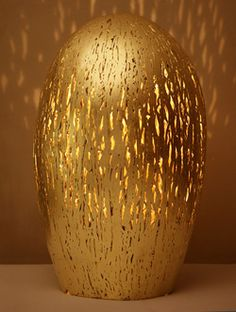 Lighting/Sculpture for interest, art and mood! Pantone Gold, Noble Metal, Gold Everything, Gold Color Scheme, Color Dorado, Shades Of Gold, Touch Of Gold, Gold Gilding, Architectural Digest