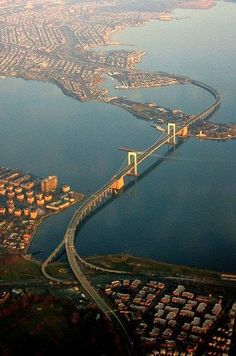 Throgs Neck Bridge - New York, aerial