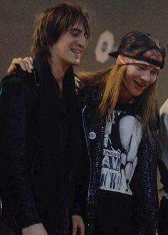 Axl Rose and Izzy Stradlin of Guns N' Roses, late '80s #axlrose #waxlrose #gnr #gunsnroses #rockstar #rockicon #bestsingerever #hottestmanalive #livinglegend
