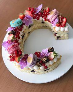 The Most Beautiful Alphabet Cake Designs - The Wonder Cottage Winter Birthday, Birthday Blast, Birthday Cake, 21st Birthday, Alphabet Cake, Chocolate Fruit Cake, Cake Lettering, Meringue Cake, Monogram Cake