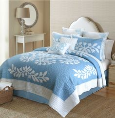 Traditional Blue Hawaiian Quilt - The Hawaiian Home