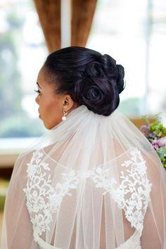 Bridal Style for Curvy Girls - Munaluchi Bridal Magazine love the hairstyle