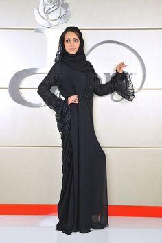 #abaya Arab Fashion, Islamic Fashion, Kaftans, Abayas, Work Fashion, Fashion Ideas, Black Hijab, Hijab Niqab, Abaya Style