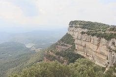 Un lugar fantástico para contemplar el paisaje 🧘♀️  #tavertet #paisaje #vistas #rinconesdecataluña #vistas #naturaleza #paz #osona #pantanodesau Spas, Grand Canyon, Nature, Travel, Hotels, Parks, Naturaleza, Scenery, Places
