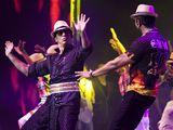 Shahrukh and Yo Yo Honey Singh - Lungi Dance